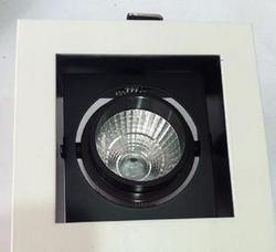 酒店铝材白色LED斗胆灯