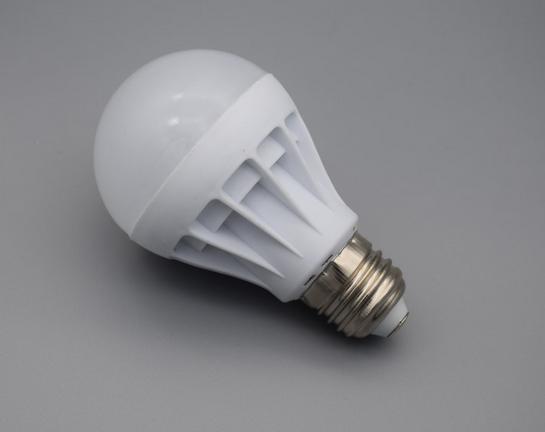 led节能大功率超亮仿陶塑料球泡灯