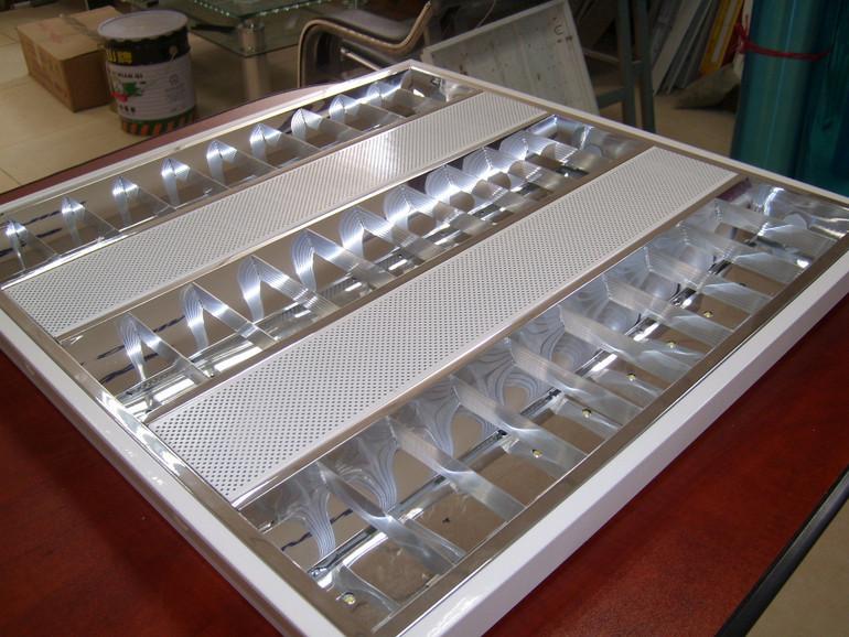室内亚光铝镜面反光嵌入式暗装T5LED格栅灯盘