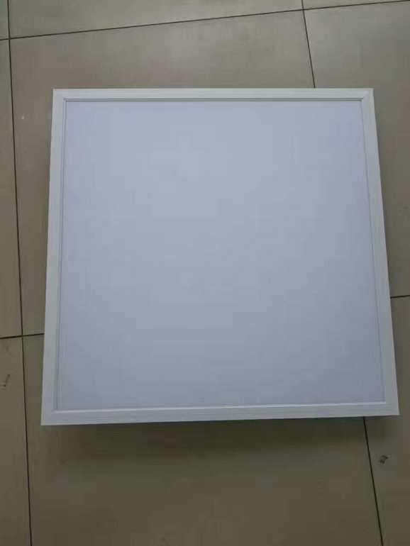 简约现代白色正方形室内面板灯