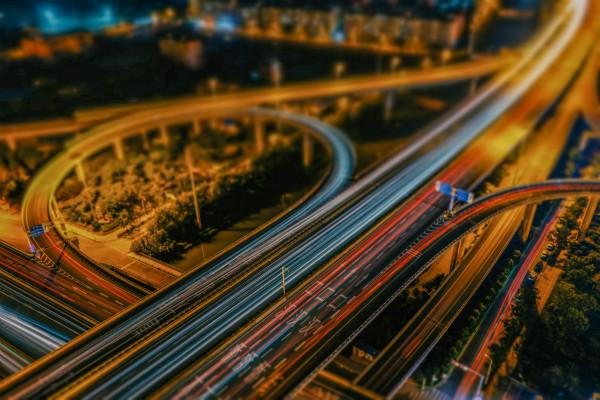 采购通精选丨智慧路灯袭来,助力智慧城市建设